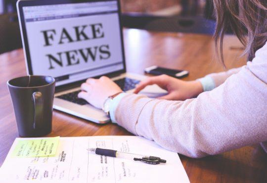 "Facebook vs ""fake news"""