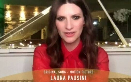 laura pausini golden globes